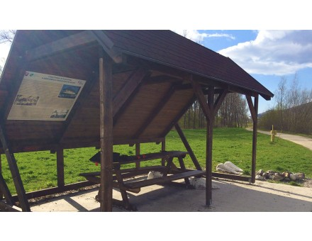 v povodí Váhu v Žiline a okolí - tlač fólií s UV ochranou na pozinkovaný 1mm plech a montáž na drevené prístrešky - Objednávateľ Žilinský samosprávny kraj
