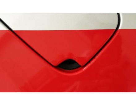 detail polepu dvierok nádrže vozidla